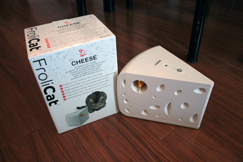 petsafe-frolicat-cheese